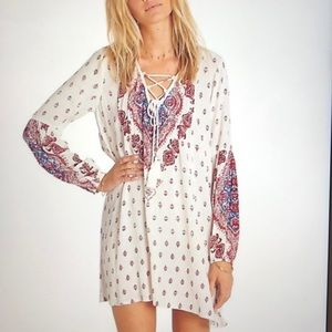 🌸 BILLABONG Boho Dress Ivory, Red Paisley 🌸